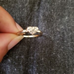 Gold tone heart shaped size 7 ring